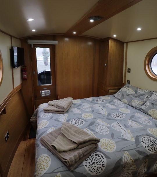 Broad Oak Front Cabin